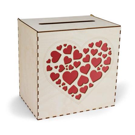drewniana skrzynka na koperty ślubne z sercami w kolorze bordowym