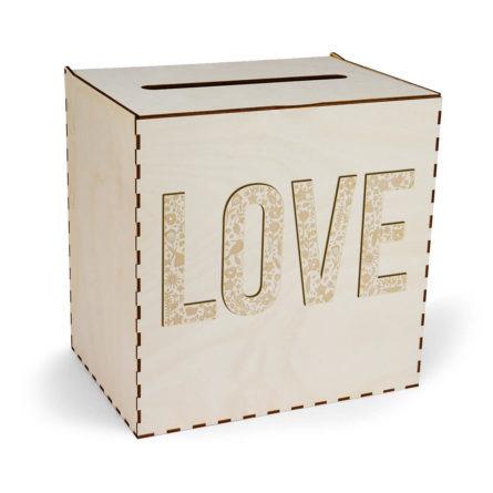 skrzynka na koperty z napisem love