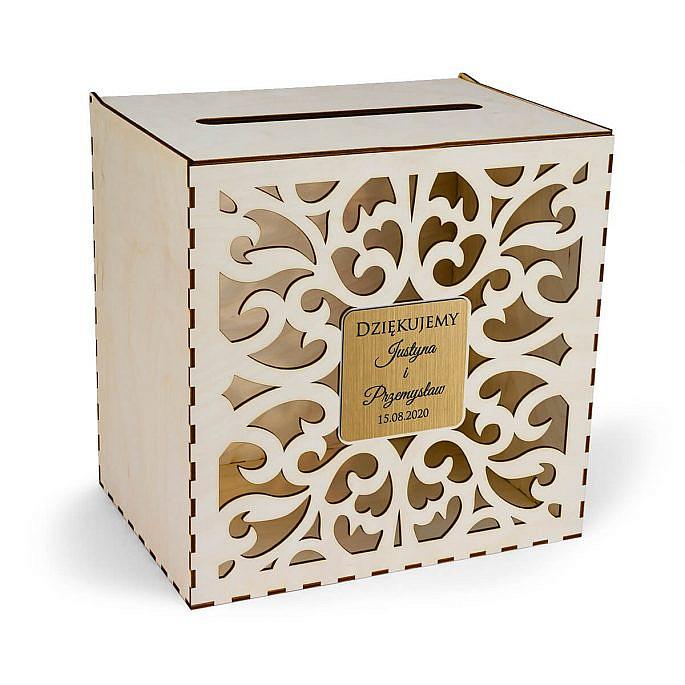 drewniana skrzynka na koperty ślubne z wesela