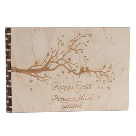 Księga wpisów gości weselnych z drewnianą okładką