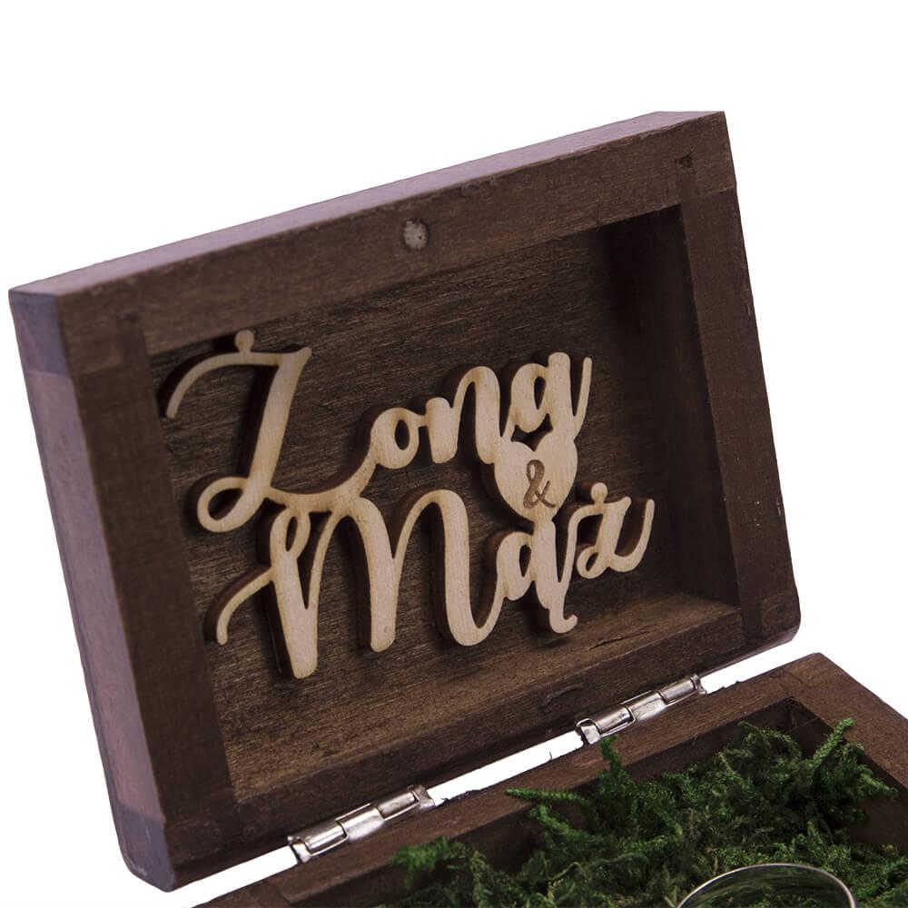 Pudełko na obrączki ślubne personalizacja drewniane malowane do kościoła mech