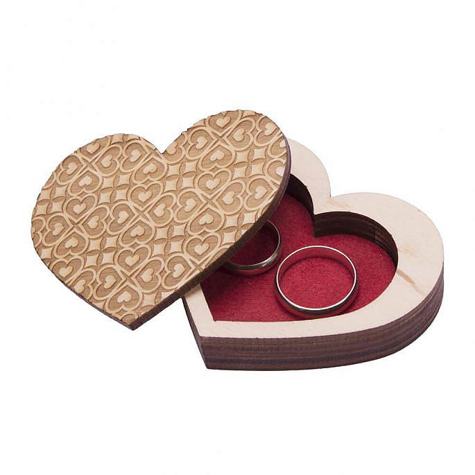 Pudełko drewniane na obrączki serce do kościoła