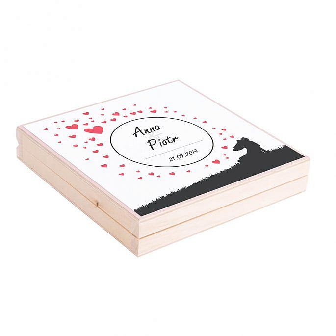Eleganckie drewniane pudełko podziękowanie zaproszenie dla rodziców motyw love serca para młoda