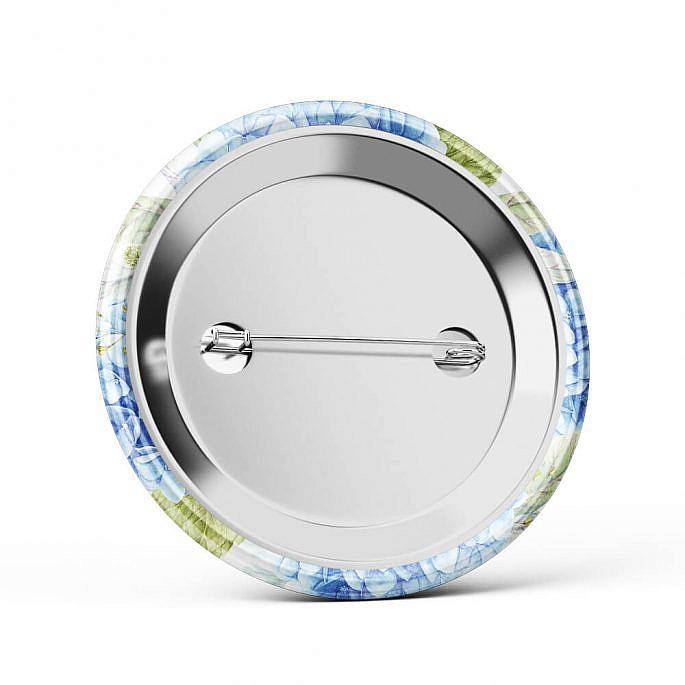 Metalowa okrągła przypinka dla gości agrafka niebieska hortensja