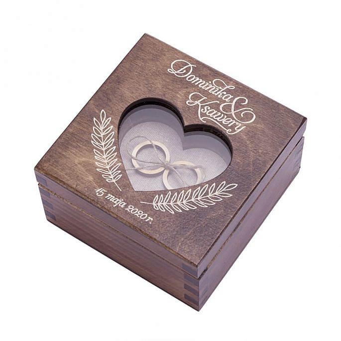 Drewniane pudełko na obrączki ślubne z grawerem