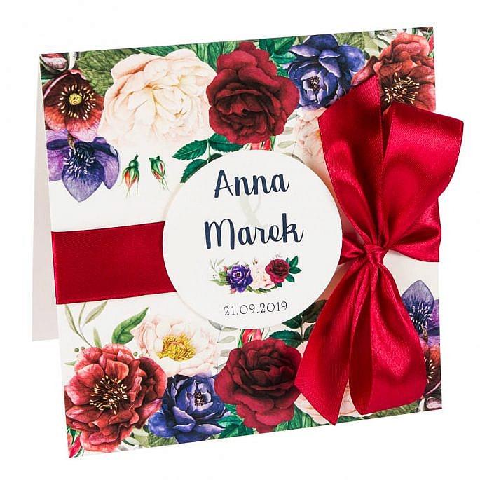 Zaproszenia ślubne z kwiatami z kopertą personalizacją i wstążką