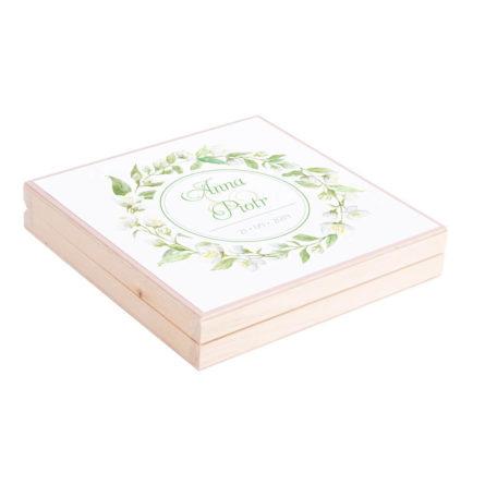 Podziękowanie w drewnianym pudełku z kwiatami jaśminu