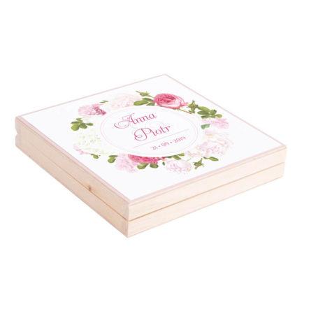 Podziękowanie w drewnianym pudełku z kwiatami Piwonii w11
