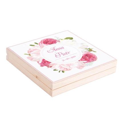 Podziękowanie w drewnianym pudełku z kwiatami Piwonii w12