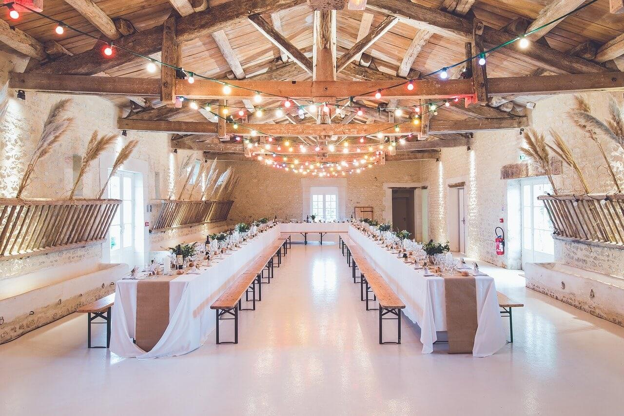 ustawienie stołów na sali weselnej najlepsze ustawienie