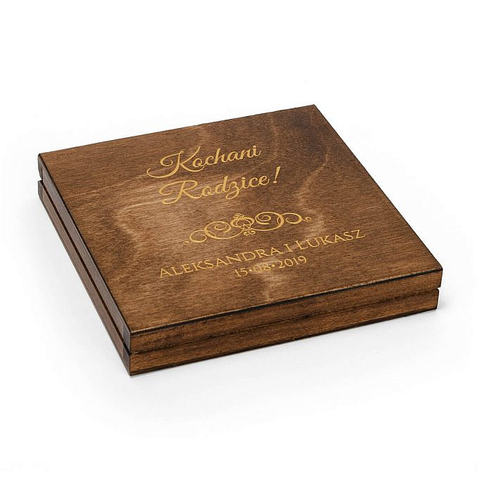 zaproszenie drewniane dla rodziców ze złoceniem