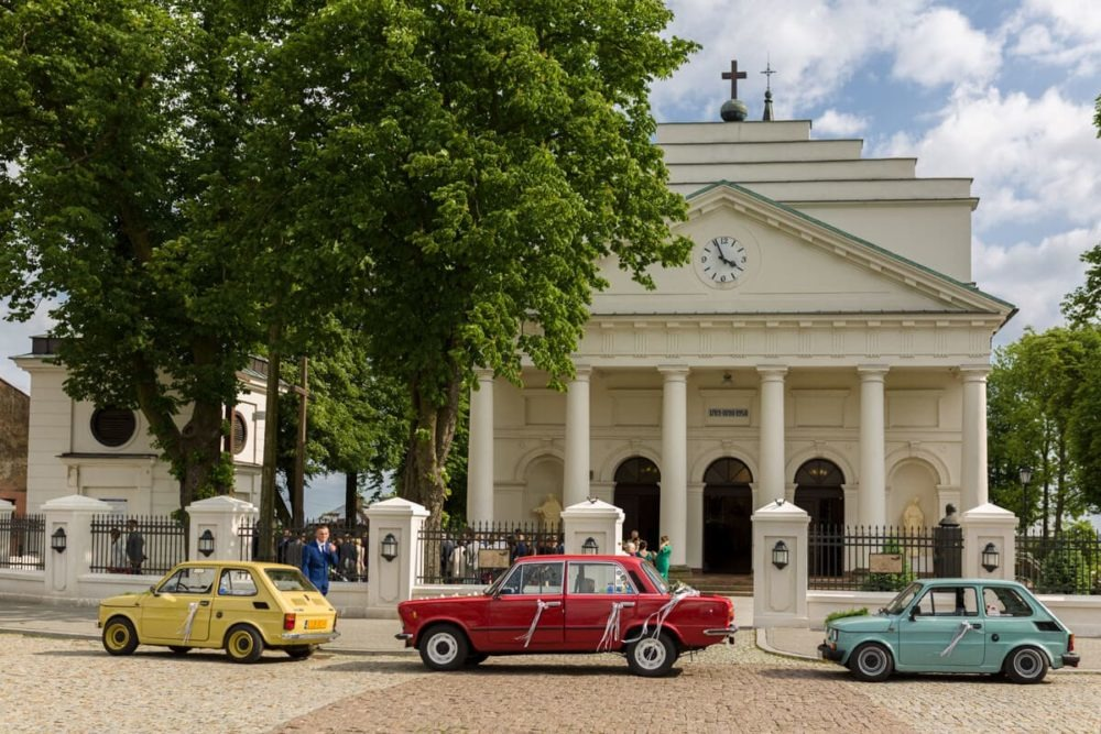 ślub fotografia kościół samochody klasyczne