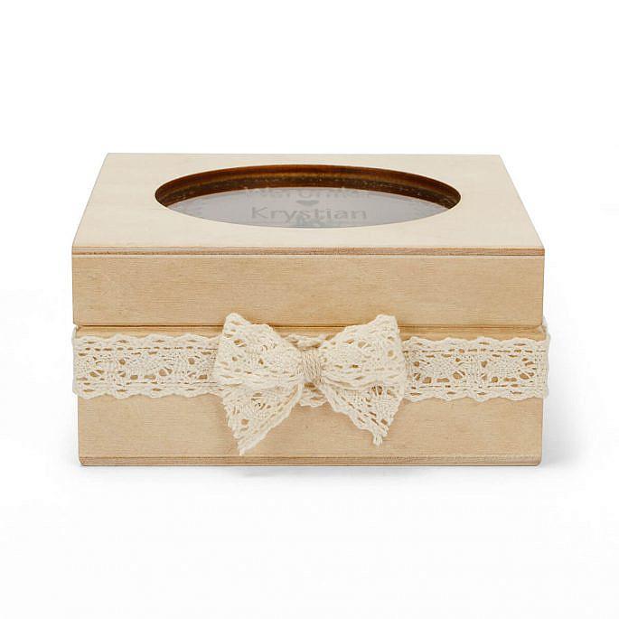pudełko na obrączki drewniane z koronką