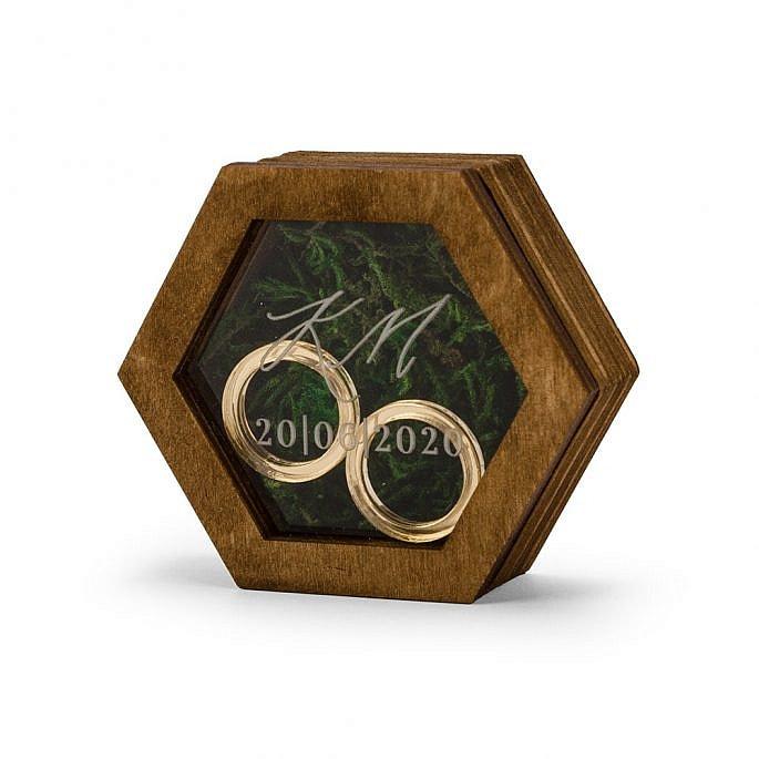 pudełko na obrączki ślubne sześciokątne grawerowane