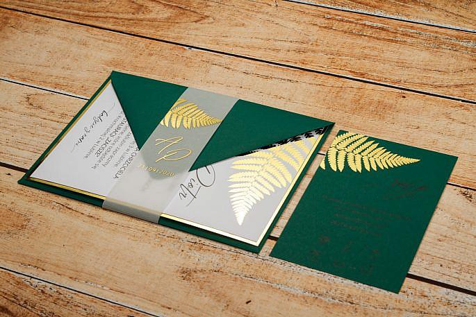 zielone ze złoceniem zaproszenia