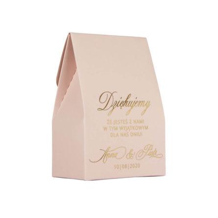 Różowe pudełeczko dla gości weselnych