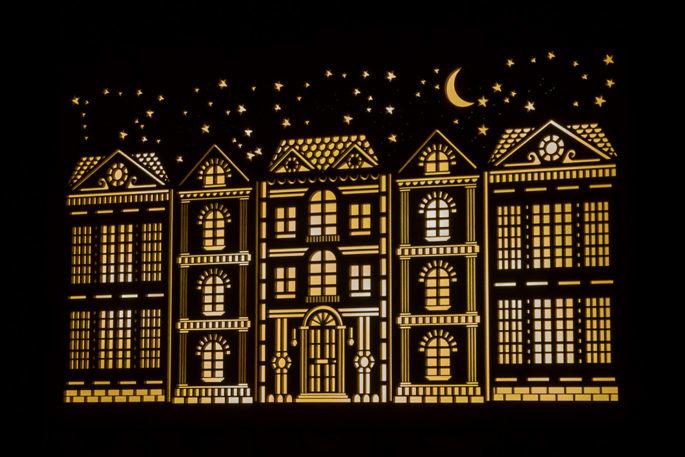 Kalendarz adwentowy kamieniczki nocą księżyc led