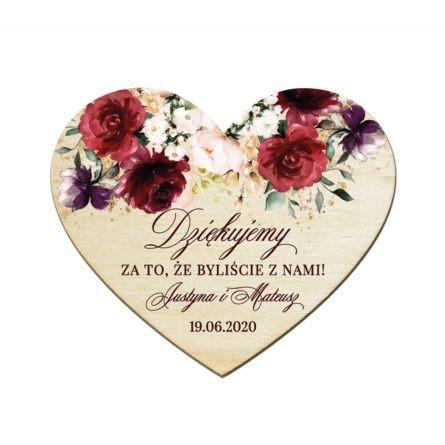 Drewniany magnes w kształcie serca z motywem bordowych kwiatów