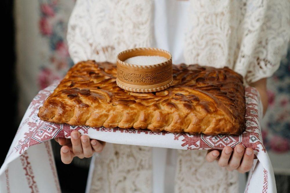 przywitanie chlebem i solą na weselu